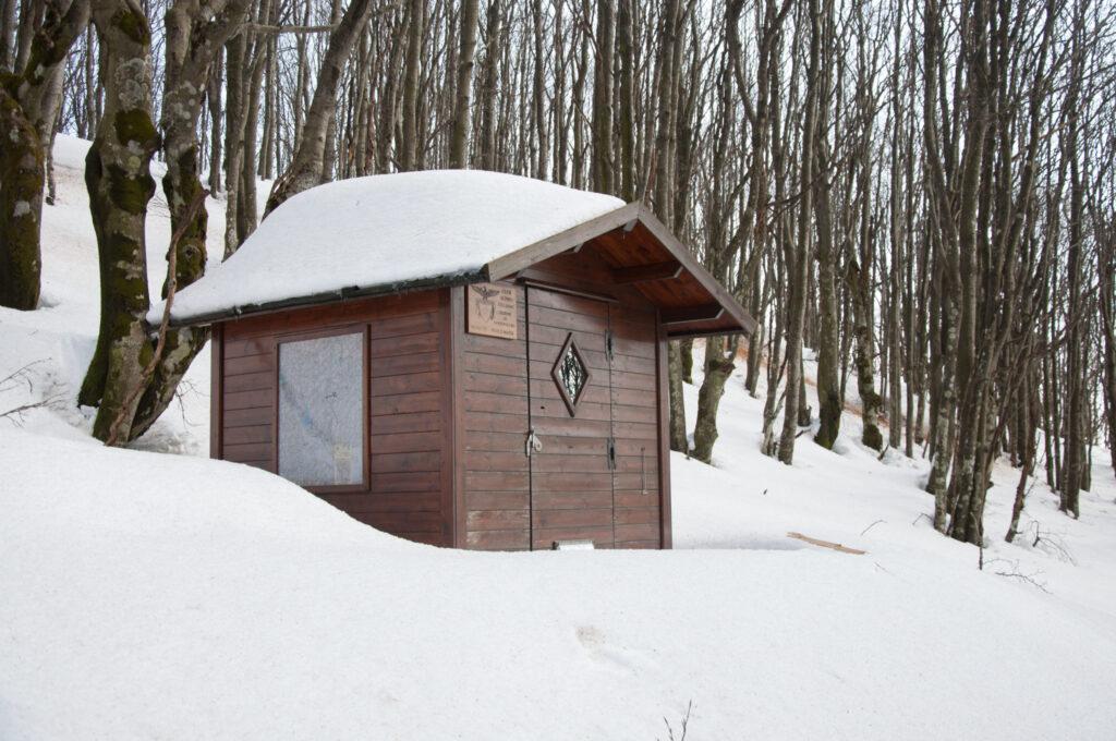 Questa immagine ha l'attributo alt vuoto; il nome del file è Alpe-della-Luna-con-tanta-neve-078-scaled-6-1024x680.jpg